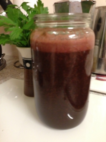 apple, beetroot, lemon, ginger and black kale juice