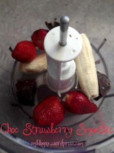 paleo, read deal, chocolate, ice cubes, banana, strawberries, coconut water, coconut, ice-cream, nice cream, smoothie
