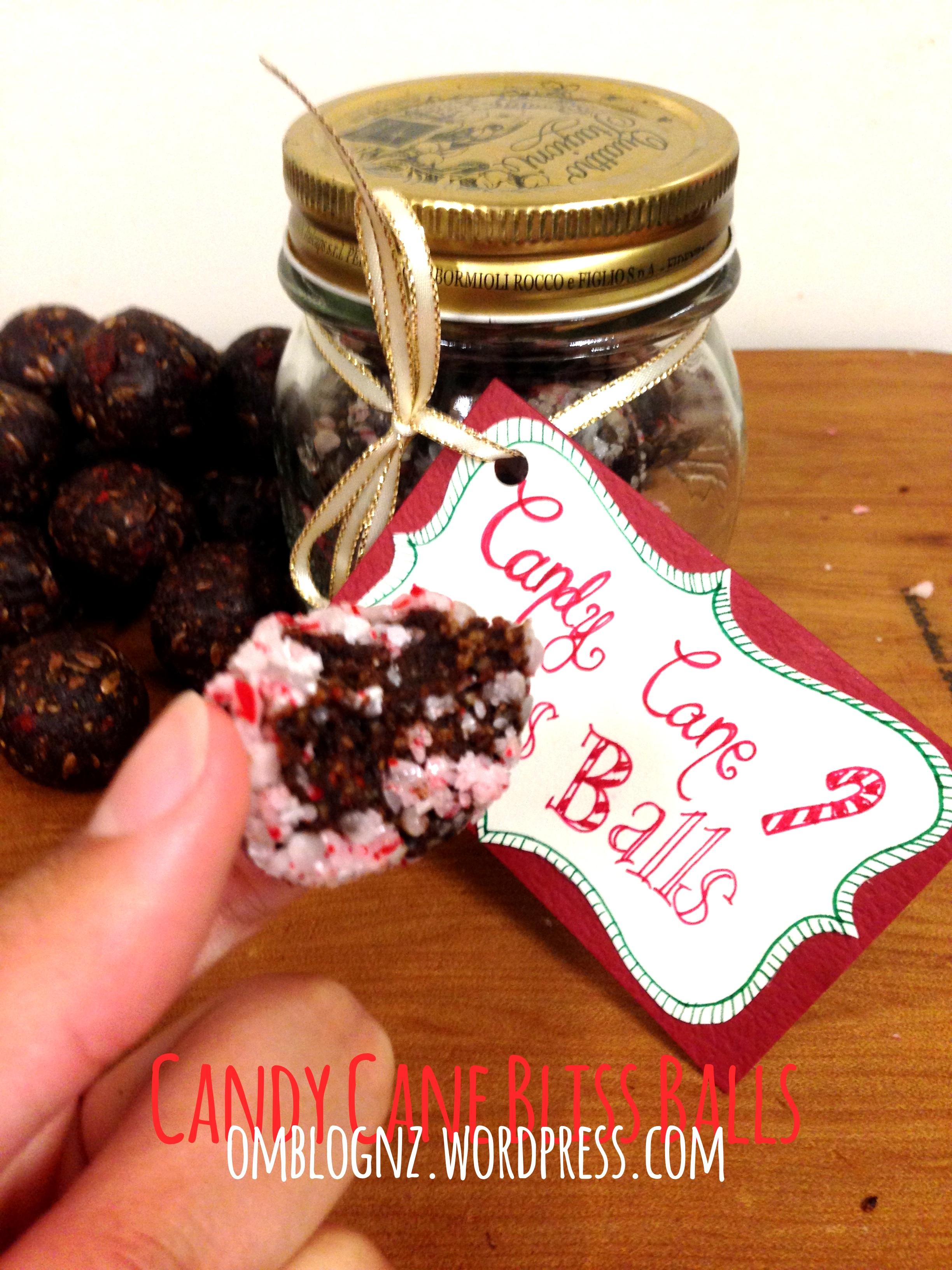 Be A Super Secret Santa Omblog