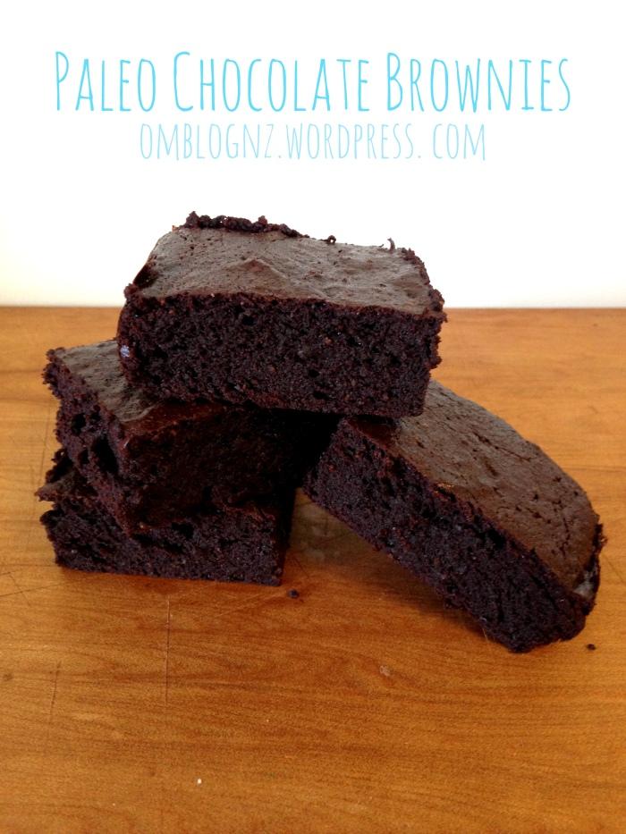 Paleo chocolate brownie, healthy easy, recipe, refined sugar free, dairy free, gluten free, Om Blog- ingredients in blender