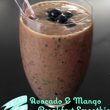 Avocado, Mango and Spinach Breakfast Smoothie